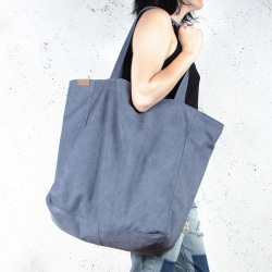 Big Lazy navy blue shoulder bag with zipper