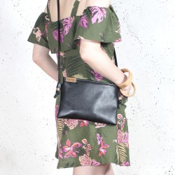 Nodo bag S black small clurch with a shouder belt