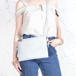 Nodo bag light grey clutch with a shoulder belt
