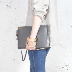 Nodo Tasche Grau kleine Clutche mit einstellbar
